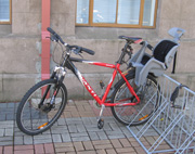 museum-building-bike-rack3.jpg